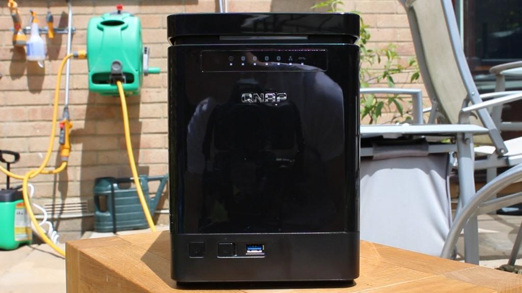 QNAP TS-453mini NAS Review.00_00_30_12.Still001