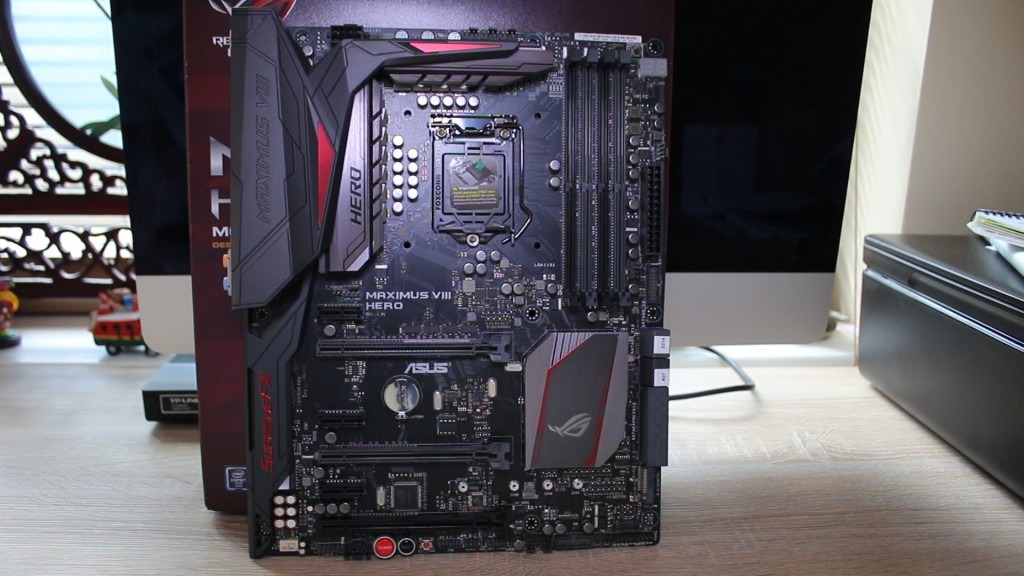 Asus Maximus VIII Hero Motherboard Review.00_01_17_05.Still003